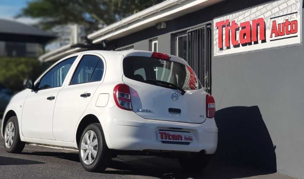 surf4cars-used-cars-3214284-7-2011-nissan-micra-micra-8.jpg