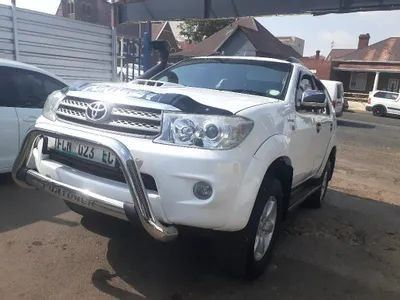 surf4cars-used-cars-3296111-0-2010-toyota-fortuner-187399f8-89a6-49b1-b720-c866a797a69f.jpg