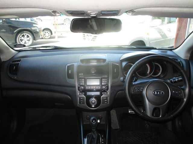 surf4cars-used-cars-3298483-6-2011-kia-cerato-kiaford-017.jpg