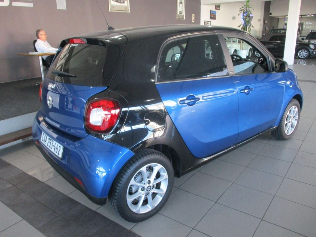 surf4cars-used-cars-3300503-7-2017-smart-forfour-img_1098.jpg
