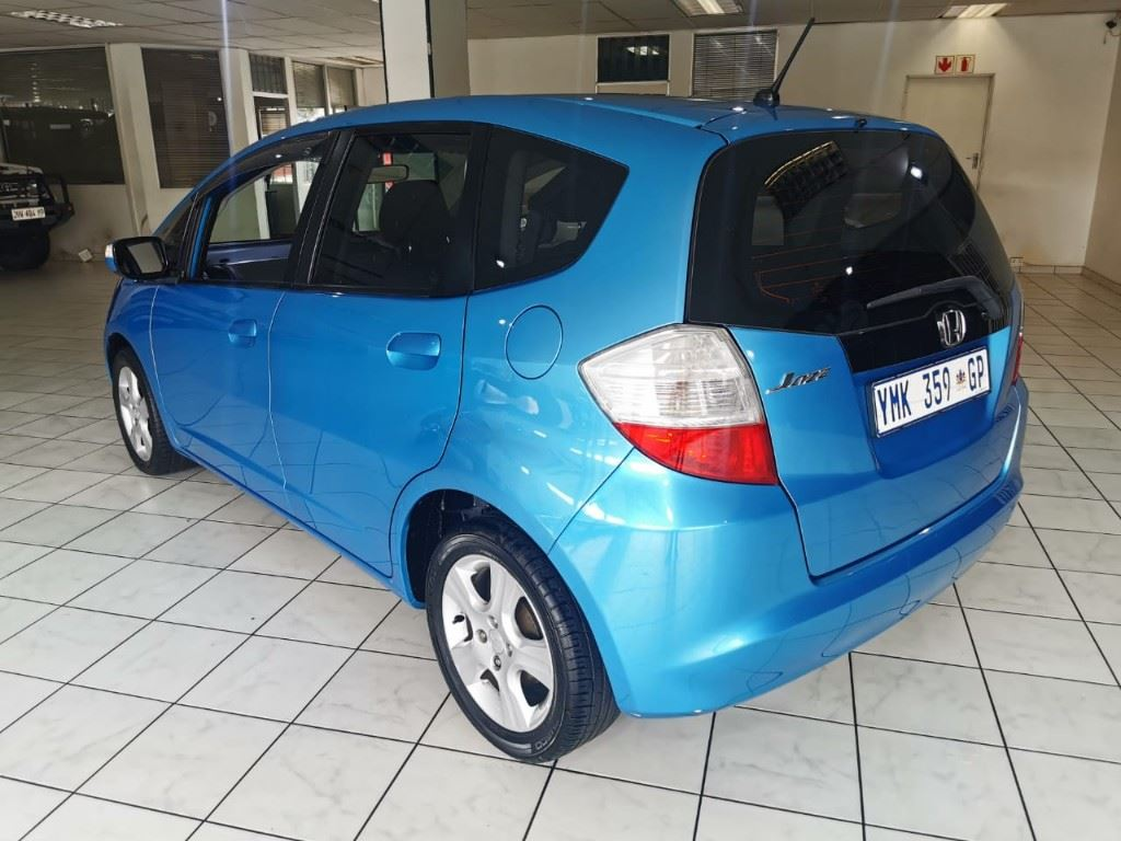 surf4cars-used-cars-3303956-1-2009-honda-jazz-whatsapp-image-2021-03-25-at-15.14.02.jpeg