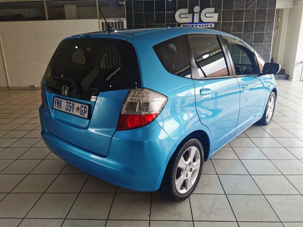 surf4cars-used-cars-3303956-3-2009-honda-jazz-whatsapp-image-2021-03-25-at-15.14.07.jpeg