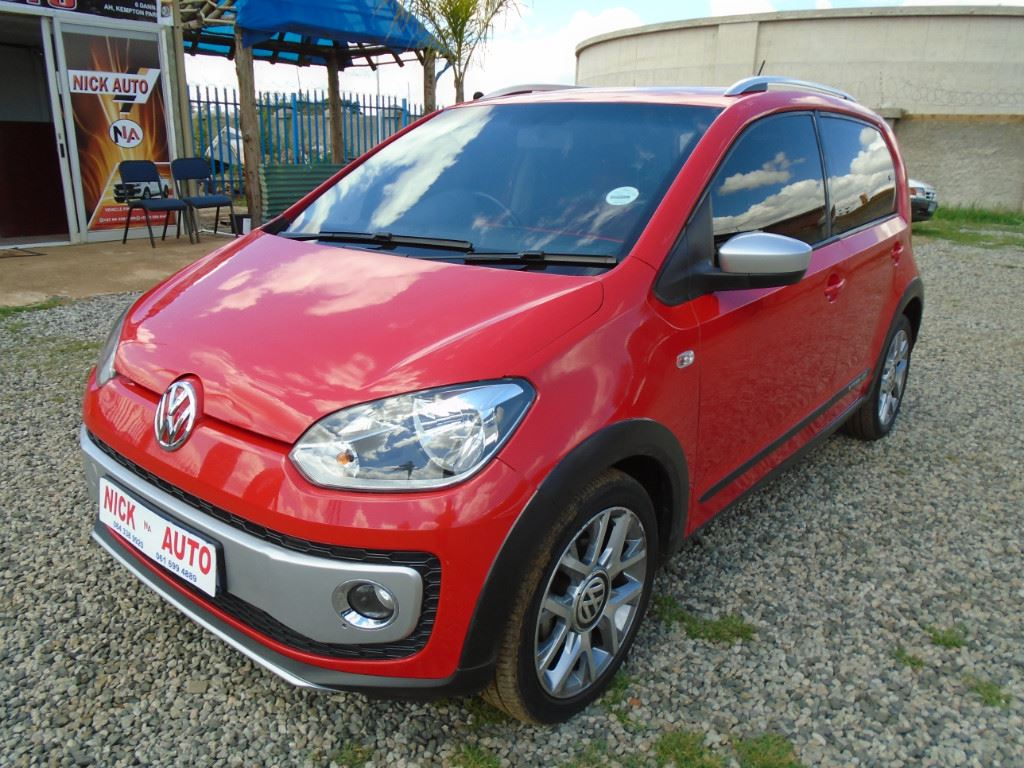 surf4cars-used-cars-3304456-2-2016-volkswagen-up!-dsc00816.jpg