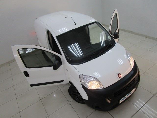 surf4cars-used-cars-3325538-1-2019-fiat-fiorino-img_9183.jpg