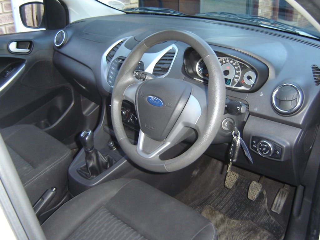 surf4cars-used-cars-3329594-4-2017-ford-figo-dsc07438.jpg