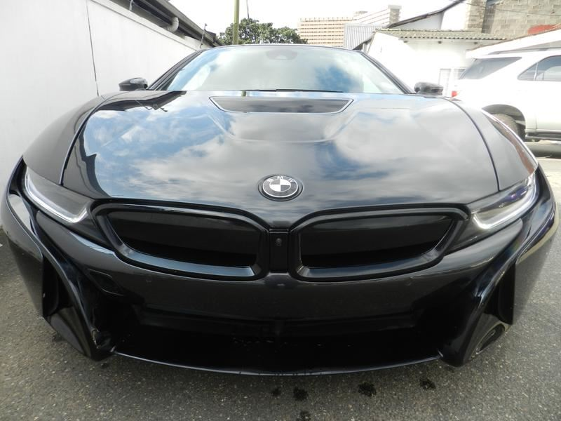 surf4cars_used_cars_6608318_496298_bmw_i8__3200912.jpg