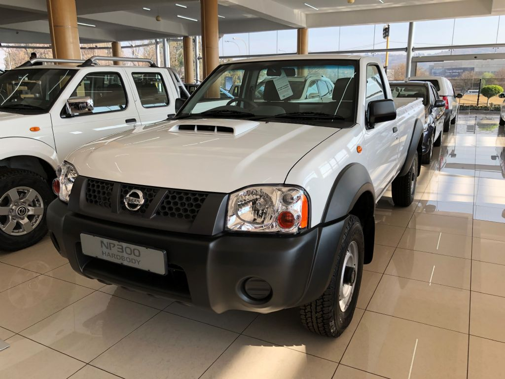 Used Nissan Hardbody NP300 2 5 TDi 4x4 Mid for sale in Gauteng