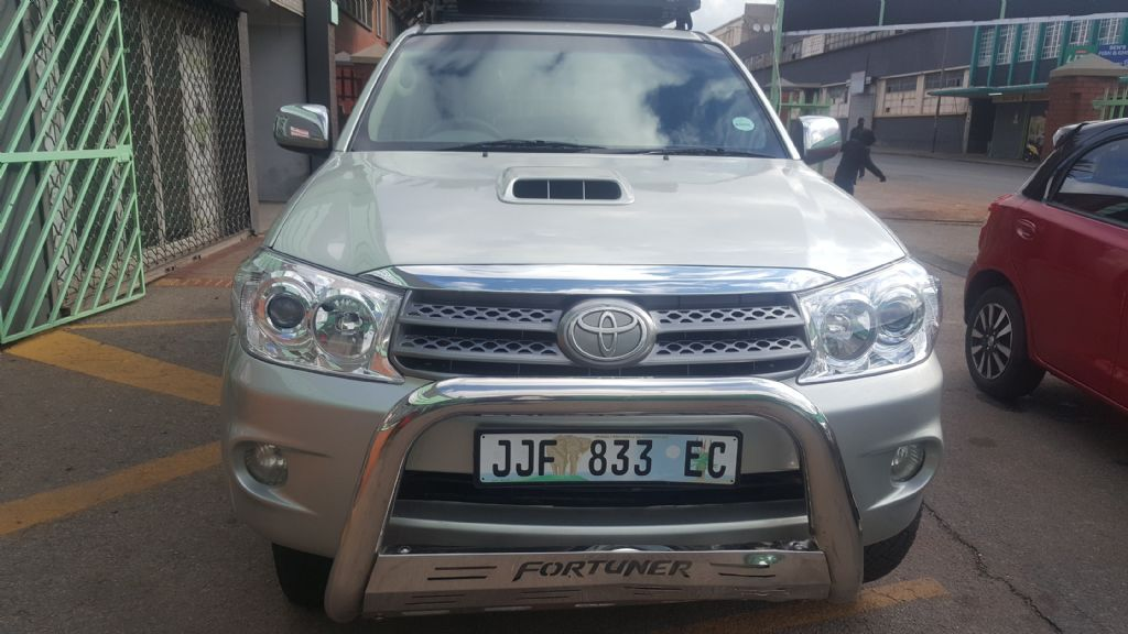 surf4cars_used_cars_toyota-fortuner_2949236_1.jpg