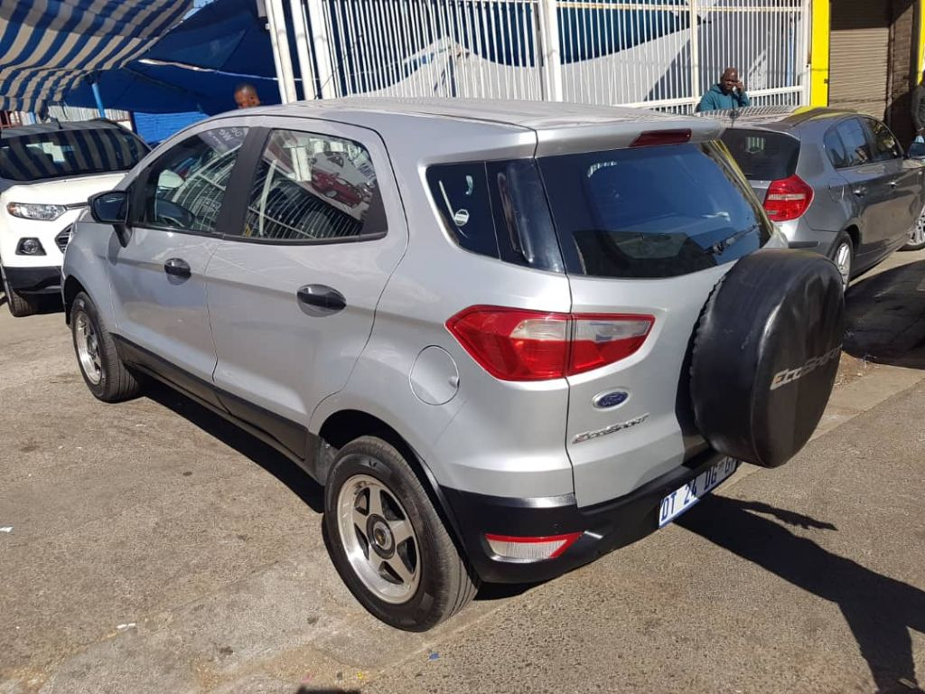 used-ford-ecosport-2496740-3.jpg