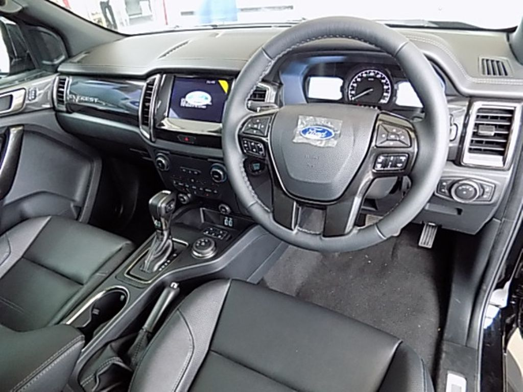 used-ford-everest-2716512-5.jpg