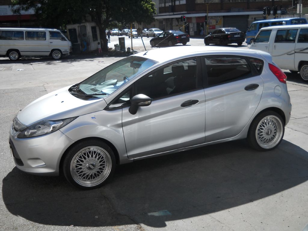 used-ford-fiesta-2476096-5.jpg