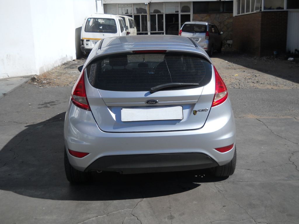 used-ford-fiesta-2476096-7.jpg