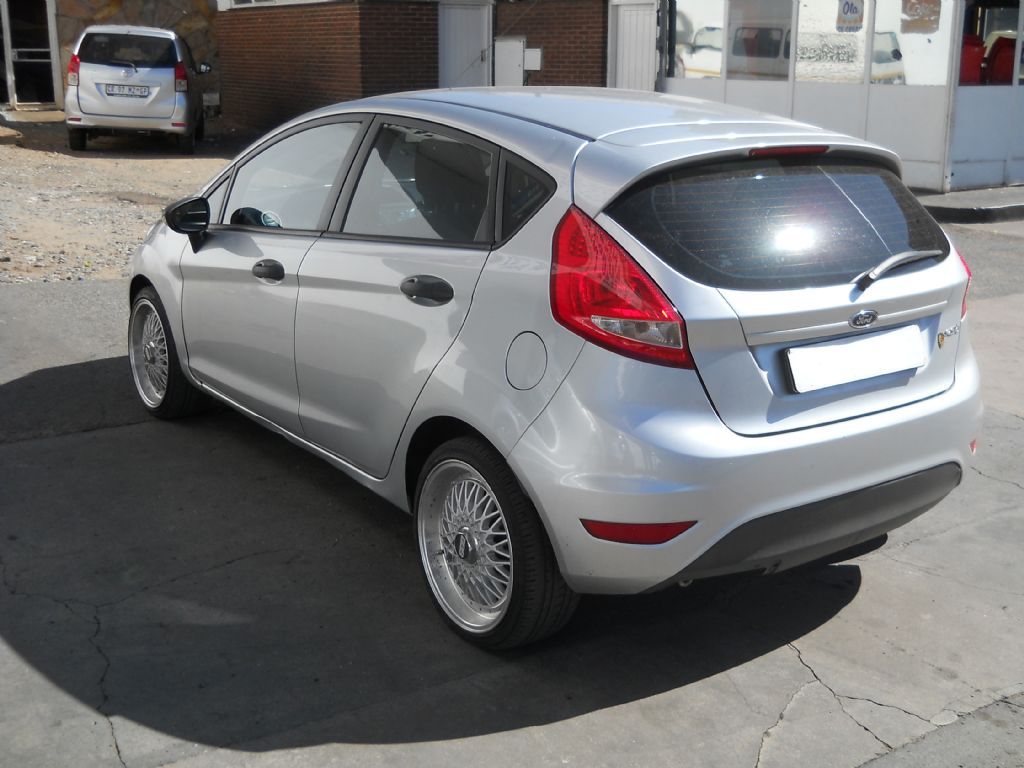used-ford-fiesta-2476096-8.jpg
