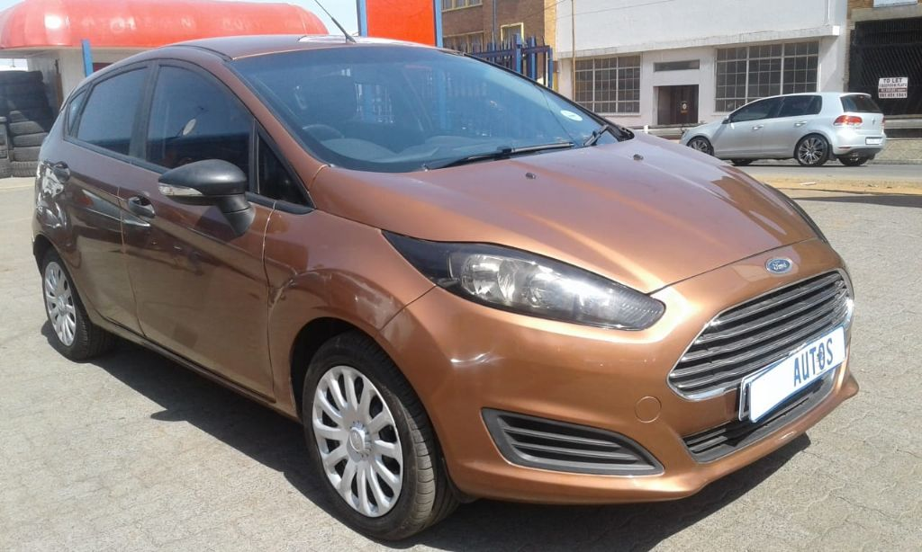 used-ford-fiesta-2626410-2.jpg