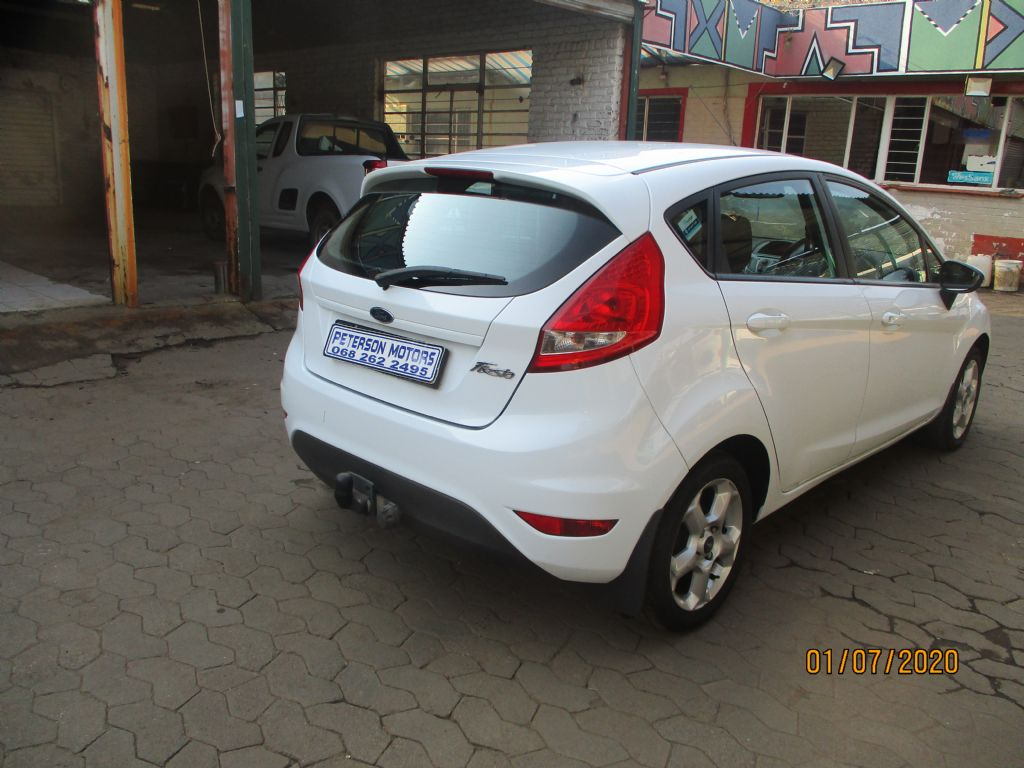 used-ford-fiesta-2965102-10.jpg