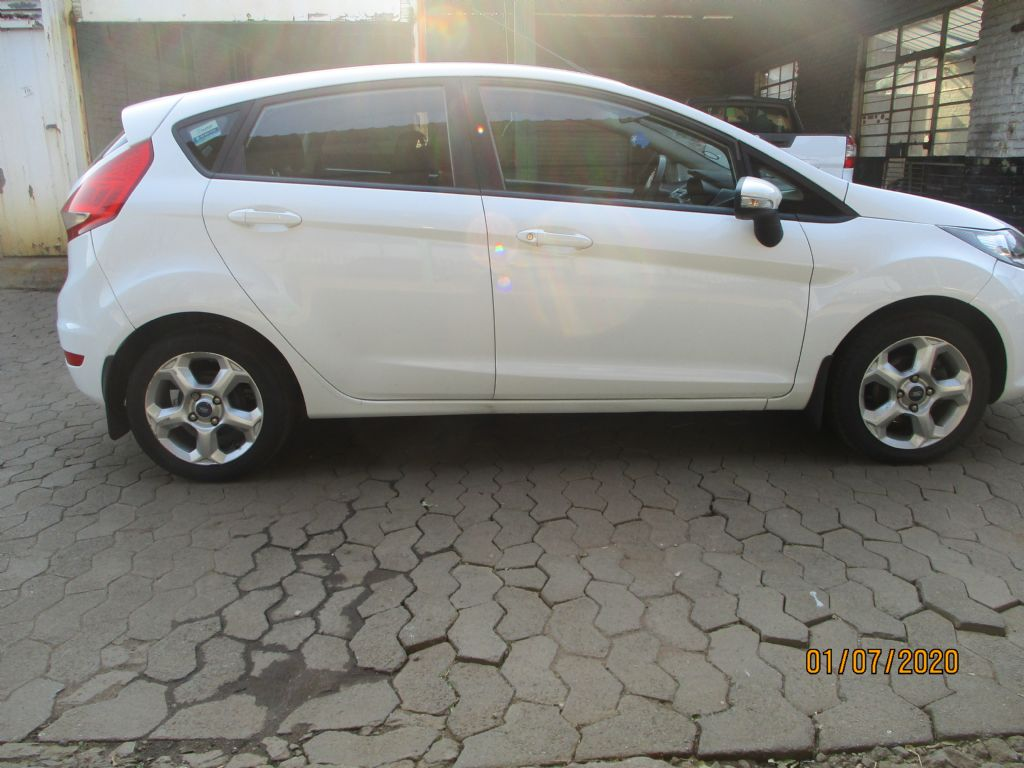 used-ford-fiesta-2965102-4.jpg