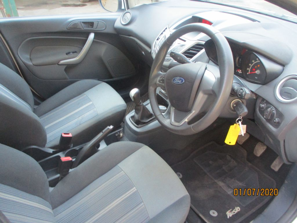 used-ford-fiesta-2965102-5.jpg