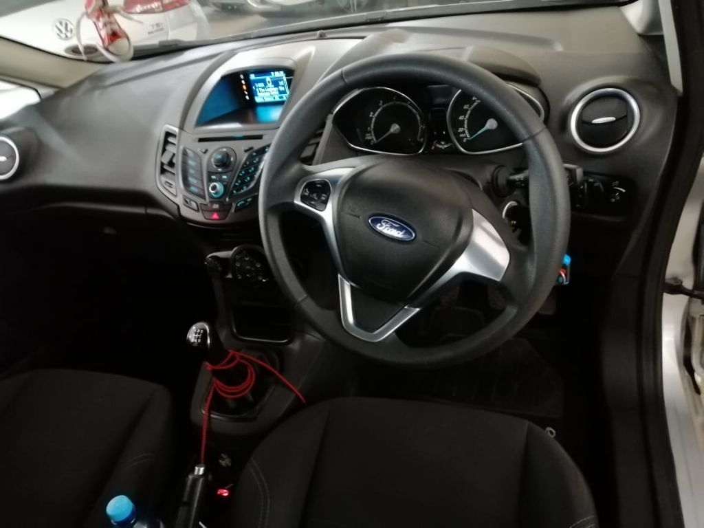 used-ford-fiesta-3176835-8.jpg
