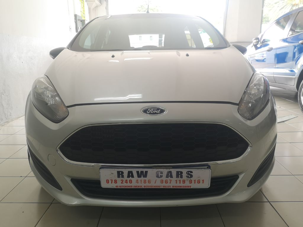 used-ford-fiesta-3182010-1.jpg