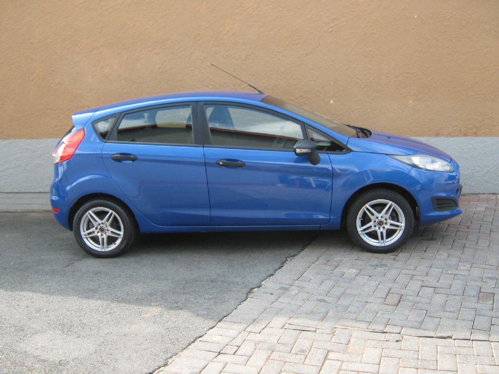 used-ford-fiesta-3204154-3.jpg