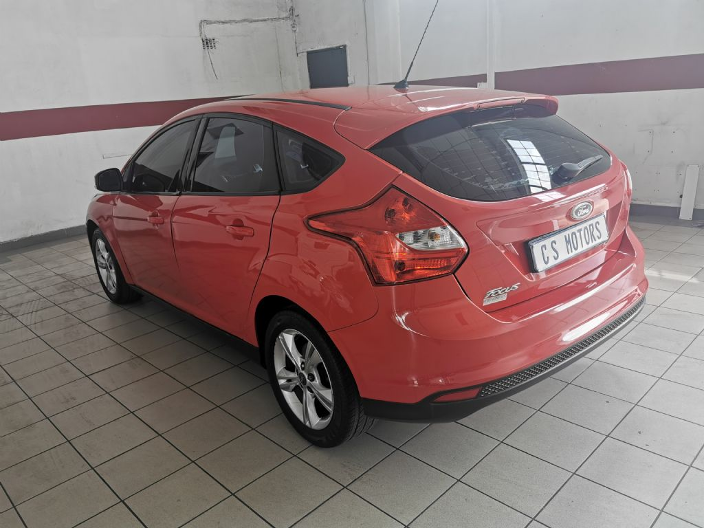used-ford-focus-2765856-5.jpg