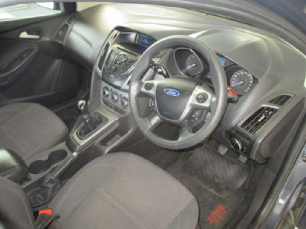 used-ford-focus-2902528-7.jpg