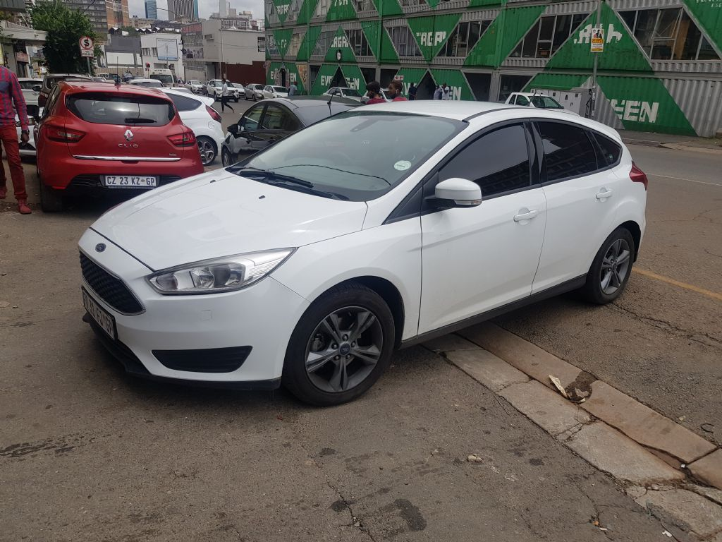 used-ford-focus-3238575-3.jpg