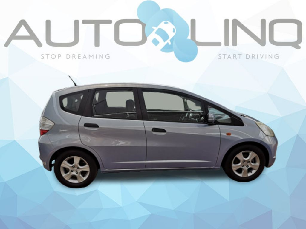 used-honda-jazz-2786602-4.jpg