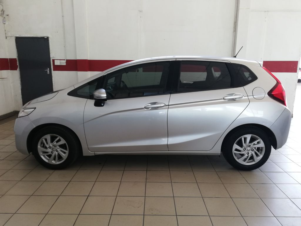 used-honda-jazz-2793508-4.jpg