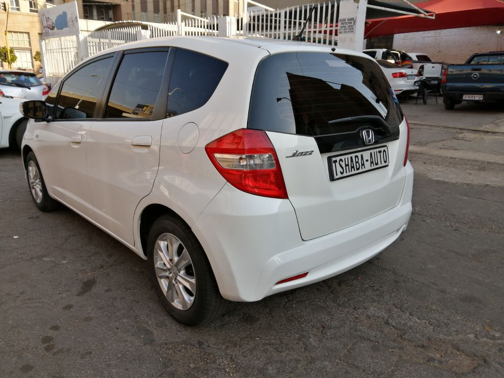 used-honda-jazz-2937680-2.jpg