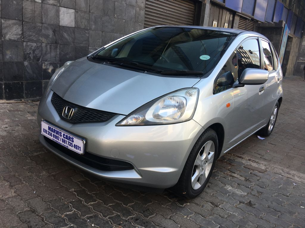 used-honda-jazz-3030015-1.jpg