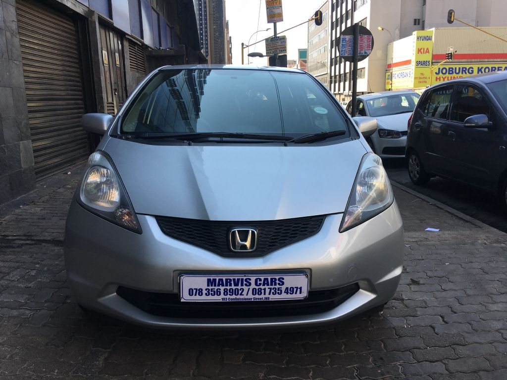 used-honda-jazz-3030015-2.jpg