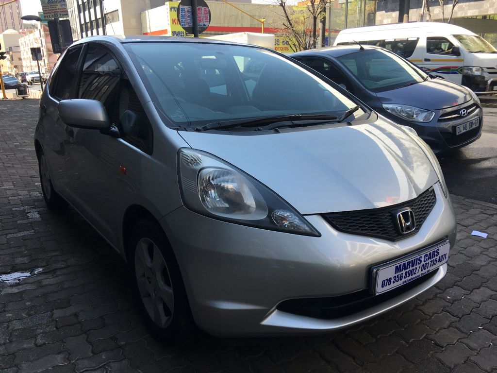 used-honda-jazz-3030015-3.jpg