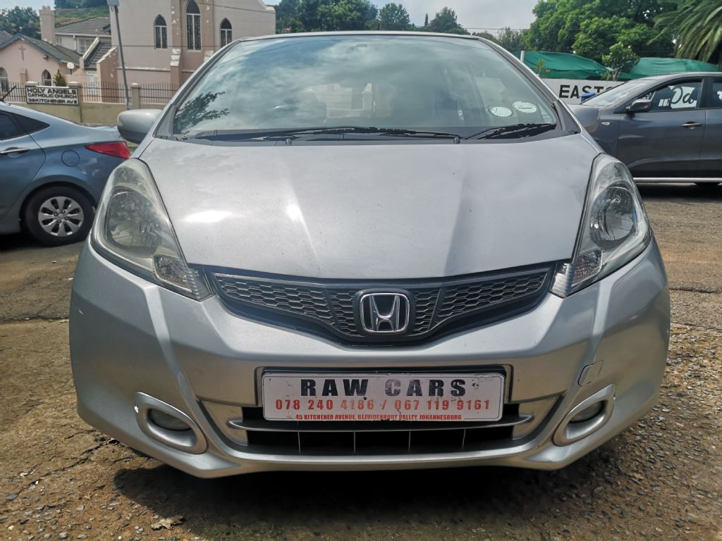 used-honda-jazz-3208698-1.jpg
