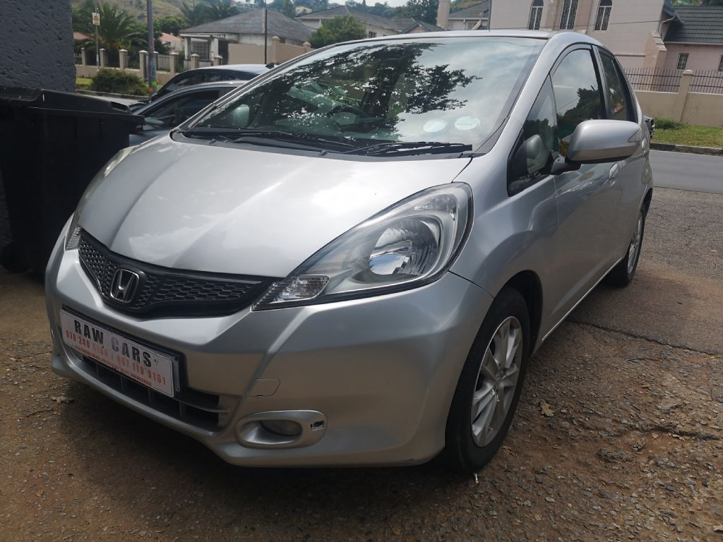 used-honda-jazz-3208698-2.jpg