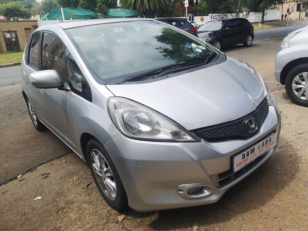 used-honda-jazz-3208698-3.jpg
