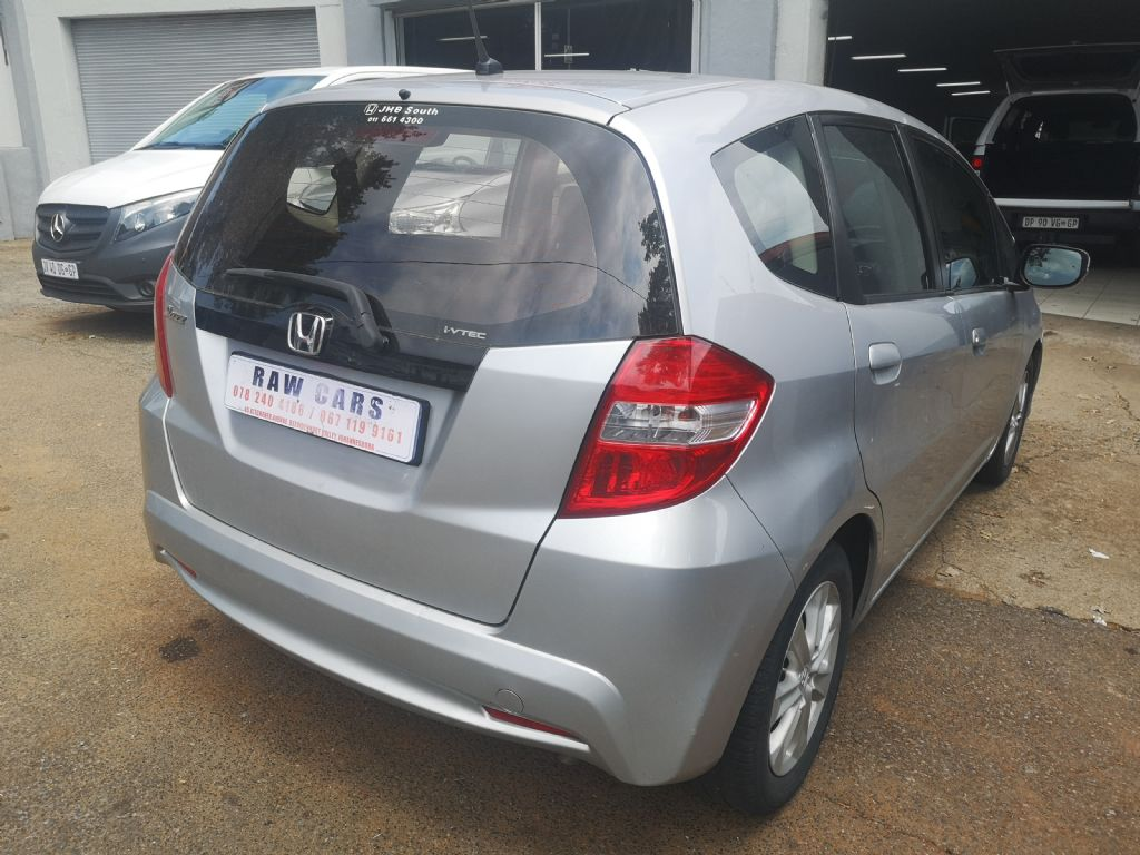 used-honda-jazz-3208698-4.jpg