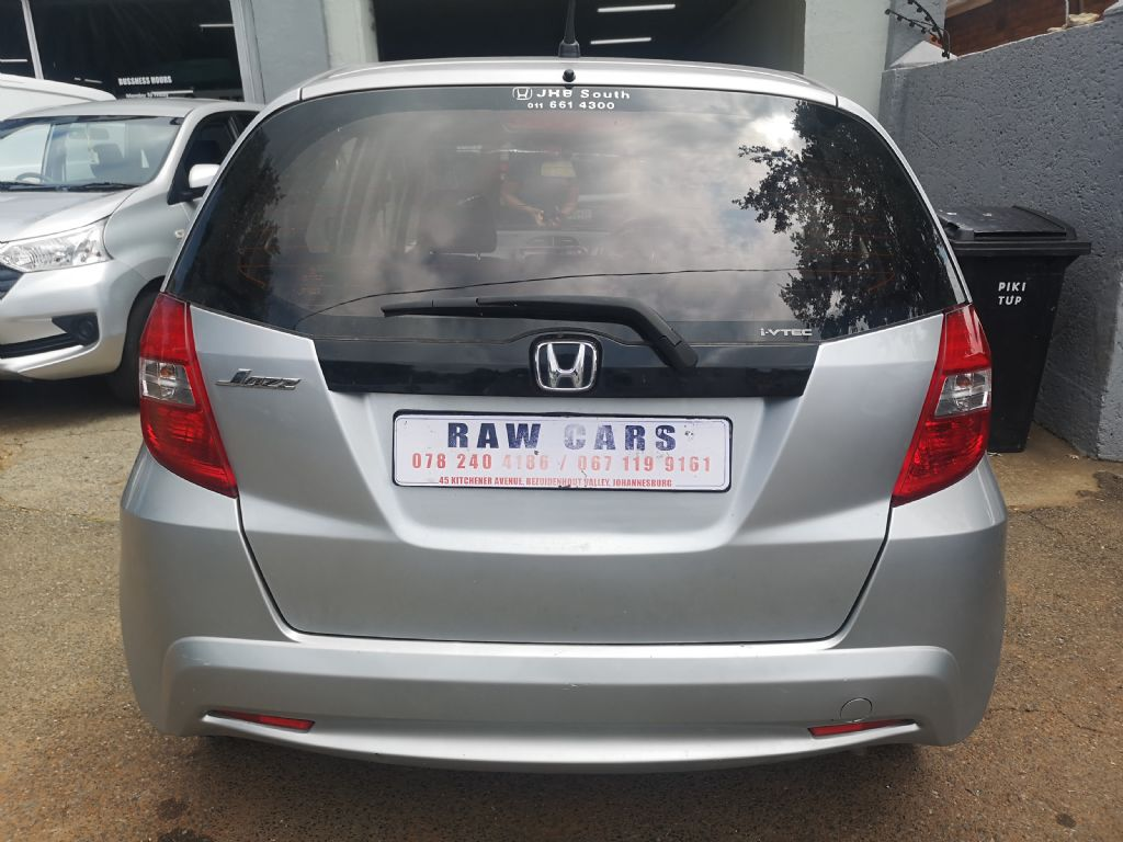 used-honda-jazz-3208698-6.jpg