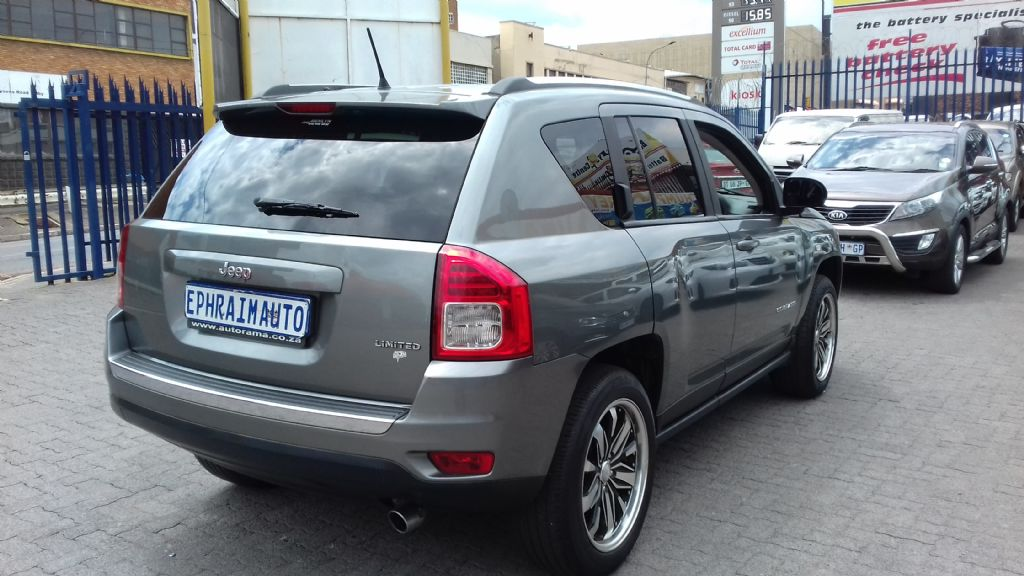 used-jeep-compass-2761888-7.jpg