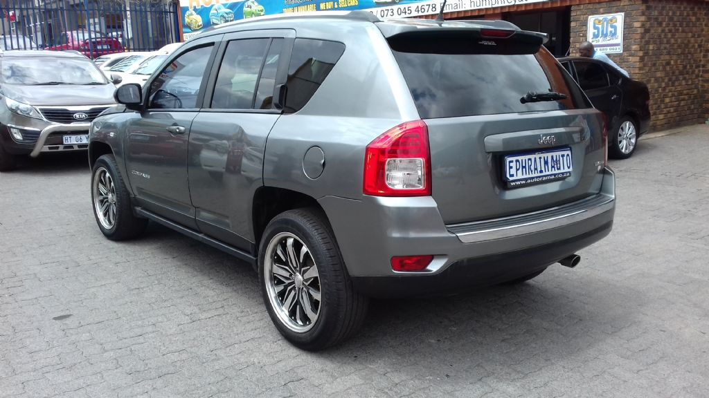 used-jeep-compass-2761888-8.jpg