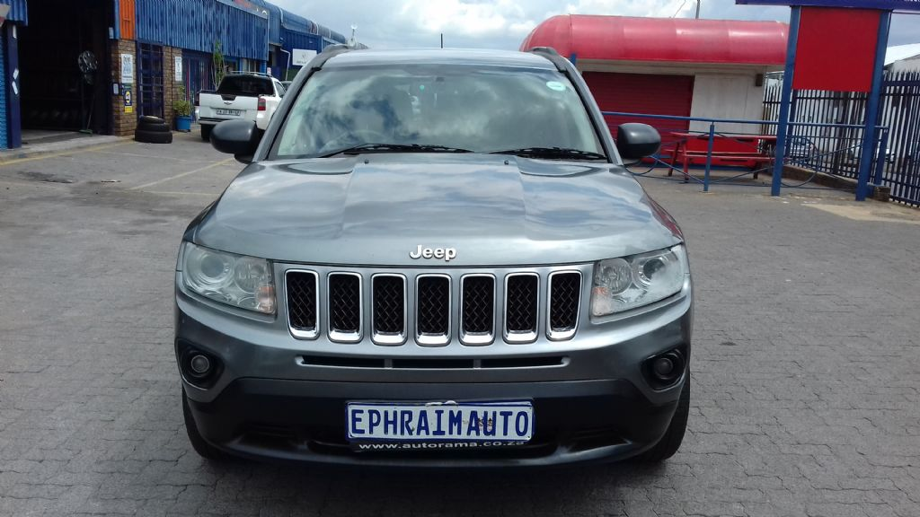 used-jeep-compass-2761888-9.jpg