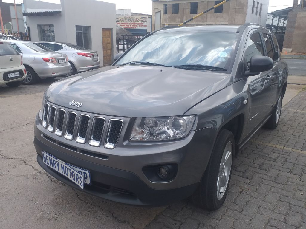 used-jeep-compass-2777450-8.jpg