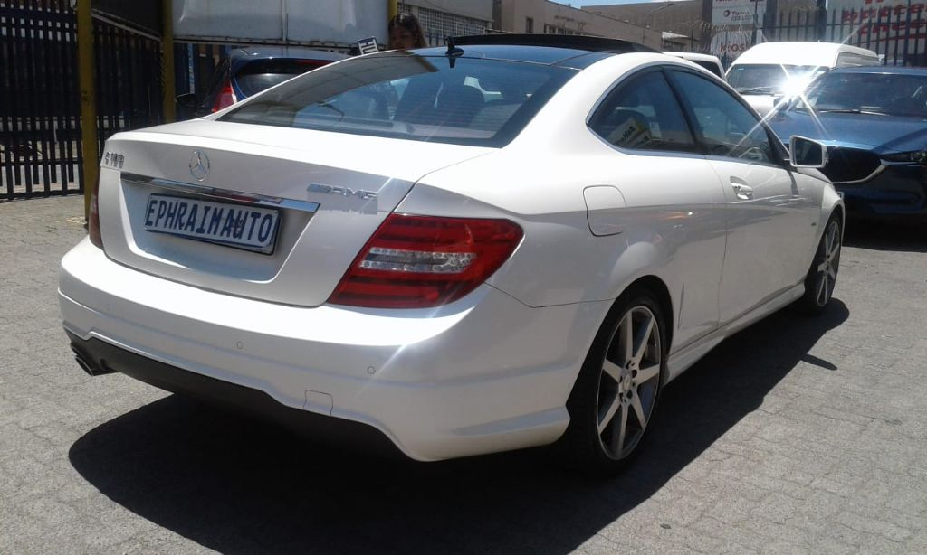 used-mercedes-benz-c-class-2734765-2.jpg