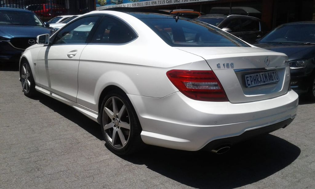 used-mercedes-benz-c-class-2734765-4.jpg