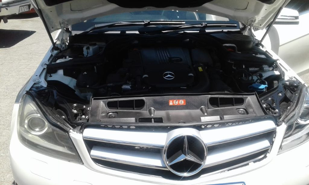used-mercedes-benz-c-class-2734765-8.jpg