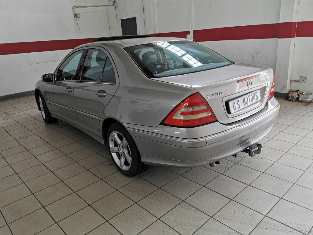 used-mercedes-benz-c-class-2765798-5.jpg