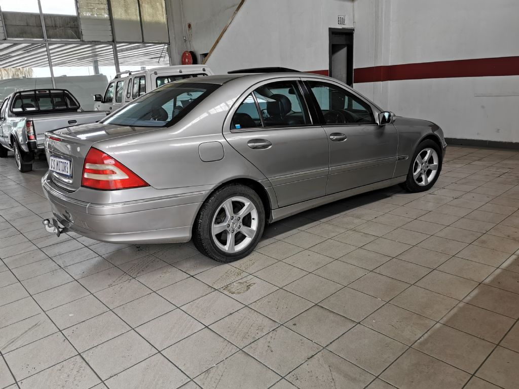used-mercedes-benz-c-class-2765798-8.jpg