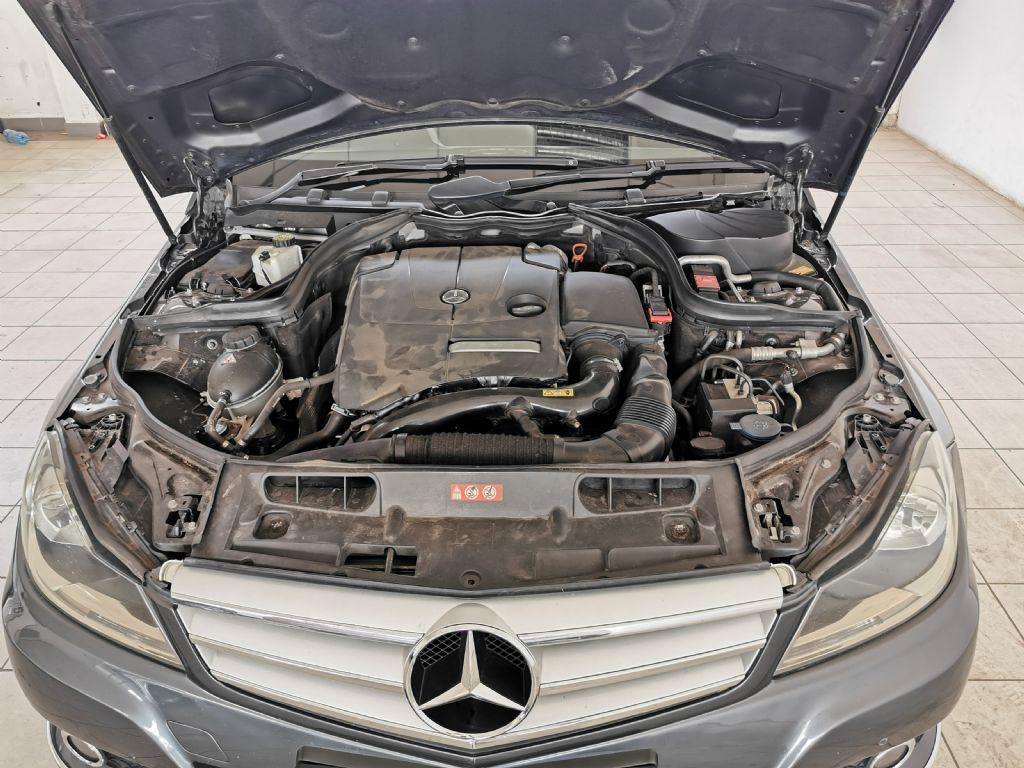 used-mercedes-benz-c-class-2770804-10.jpg