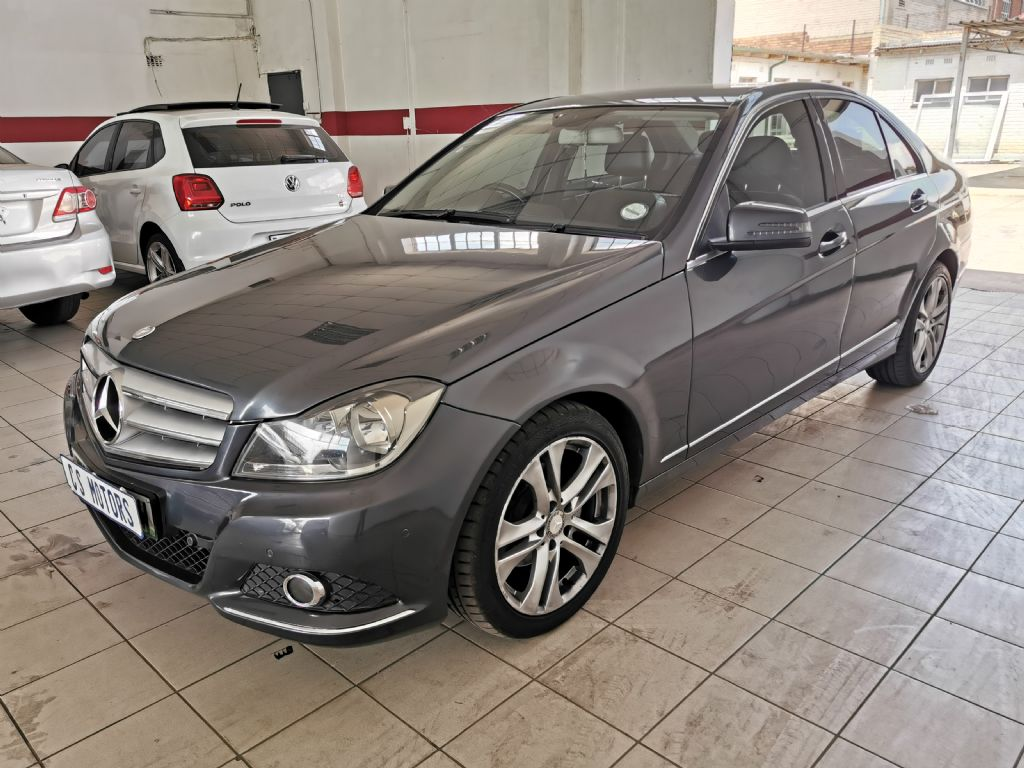 used-mercedes-benz-c-class-2770804-3.jpg