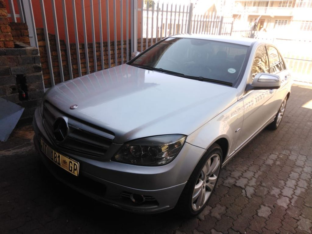 used-mercedes-benz-c-class-2948235-4.jpg